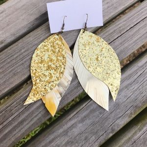 Jewelry - ✨NEW✨Gold Glitter Feathered Earrings!